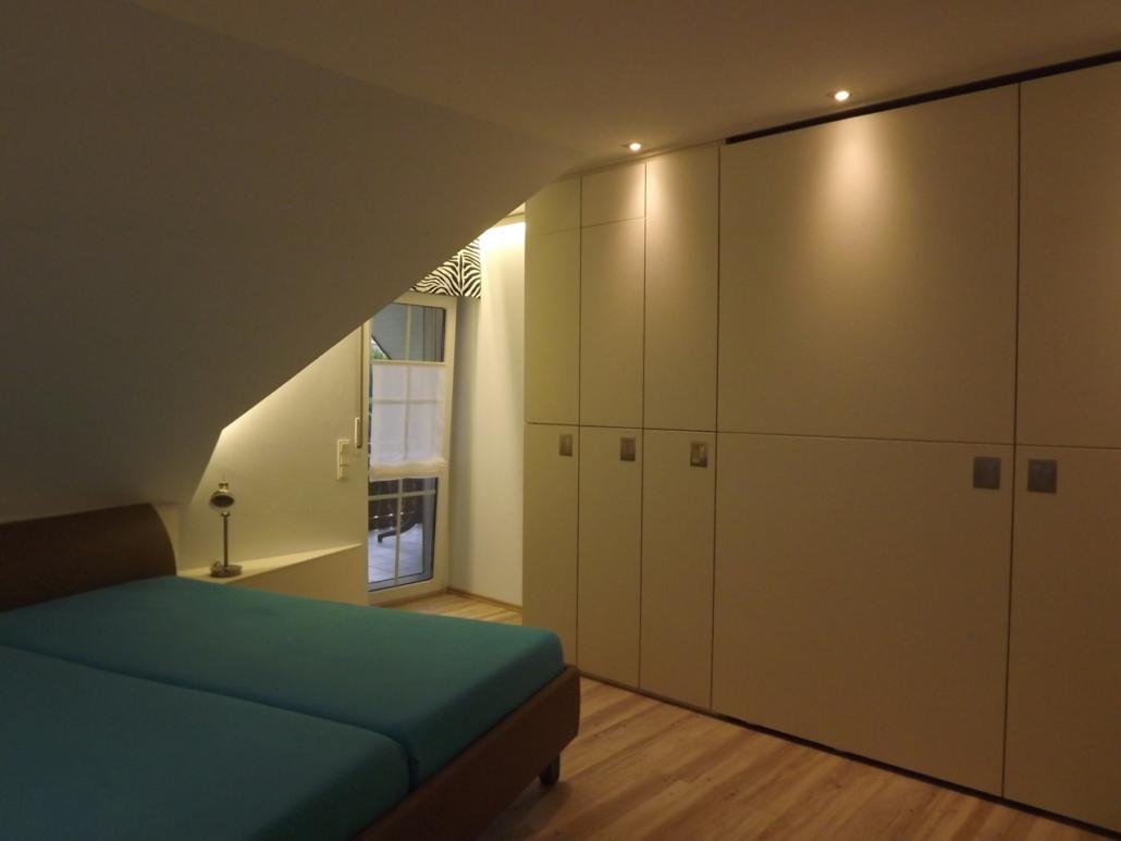 Lichtwirkung Möbelbau/ Dachschräge